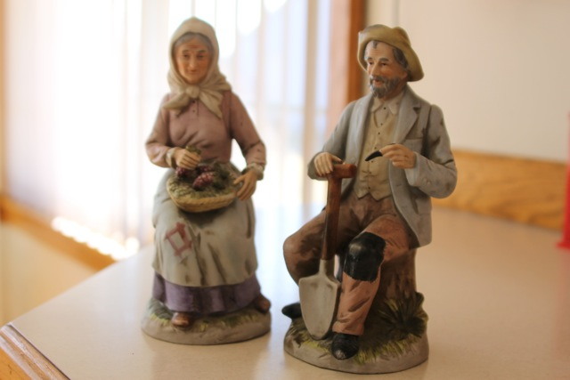 the dark side of decluttering down the gravel road www home interiors figurines 1980 s myideasbedroom com