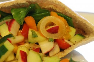 Greek Salad Pita1 300x200 Greek Salad Pitas with Olive Garlic Tapende