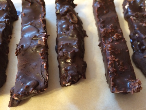 These bars are a low carb, dairy free way to satisfy your chocolate cravings and your sweet tooth.